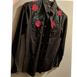 Western Embroidered Rose Long Sleeve Button Up